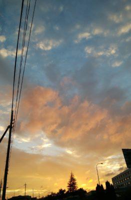 台風の影響なのか?素晴らしく綺麗な夕焼けでした。